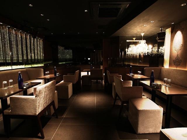 友達と応募もOK?新宿の朝キャバ(昼キャバ)「club 蒼~sou~」の紹介